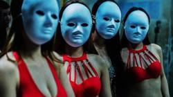 Cận cảnh hoạt động của vũ nữ trong hộp đêm ngầm ở TQ