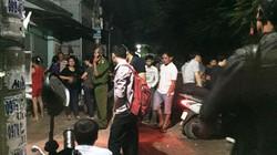 Vợ trẻ ngây dại thấy chồng chết trong nhà trọ ở Sài Gòn