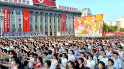 """Triều Tiên dọa thổi bay Mỹ bằng """"5 triệu viên đạn sống"""""""