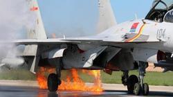 Tiêm kích J-15 TQ đâm phải chim, bốc cháy ngùn ngụt