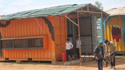Nhà container được thêm mái, làm mới đón học sinh tựu trường