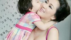 Ngẩn ngơ với nhan sắc nữ thần của HH Nguyễn Thị Huyền ở tuổi U40