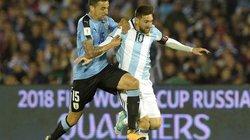 """Clip: Messi mờ nhạt, Argentina bị Uruguay """"cưa điểm"""""""