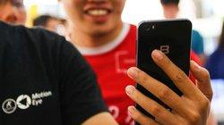 Thị trường smartphone tập dợt trong… mưa