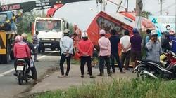 Tài xế thoát chết khi cabin xe tải văng xuống đường sau tai nạn