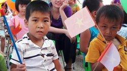 Được hủy quyết định sáp nhập trường, phụ huynh phấn khởi cho con đi khai giảng