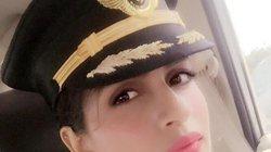 Ngắm nhan sắc vạn người mê của nữ phi công trẻ nhất lái Boeing 777