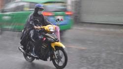 Dự báo thời tiết hôm nay (17.9): Hoàn lưu sau bão số 10, từ Thanh Hóa trở ra miền Bắc mưa như trút, lũ trên các sông lên nhanh
