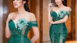 """""""Bạn gái Noo Phước Thịnh"""" mặc buông lơi, ôm sát dáng nữ thần"""