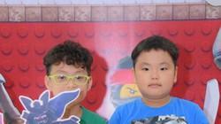 Hai quý tử nhà Xuân Bắc cùng loạt gia đình sao Việt đi xem phim