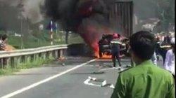 Xe container bất ngờ bốc cháy dữ dội trên quốc lộ
