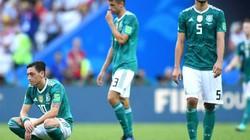 """""""Treo giò"""" trên """"sân hàng chiếu"""" tại World Cup có khiến các cầu thủ đá bóng mất lửa?"""