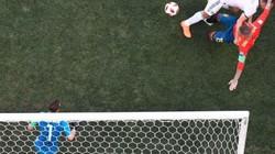 """HÀI HƯỚC: Hai lần hậu vệ xài """"nhu thuật"""", Nga đều bị thủng lưới"""