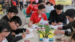 TP.HCM: Thí sinh đổ xô làm hồ sơ xét tuyển vào ĐH bằng học bạ