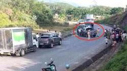 Cảnh sát bắn thủng lốp xe bán tải, thu giữ lượng lớn ma túy