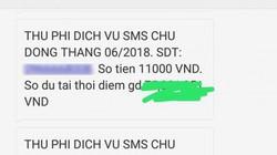 """Khách hàng """"đau đầu"""" với hàng trăm tin nhắn thu phí từ Vietcombank"""