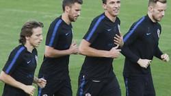 """CHÙM ẢNH: Pháp, Croatia """"luyện công"""" trước trận chung kết lịch sử"""