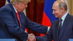 Cái nháy mắt kỳ lạ của ông Trump khi gặp ông Putin