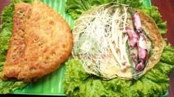 Bánh xèo mực - món ăn lạ mà quen đốn tim du khách tới Nha Trang