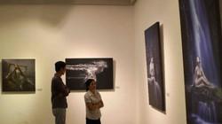 Triển lãm ảnh nude đầu tiên tại Hà Nội: Phân biệt nghệ thuật và dung tục