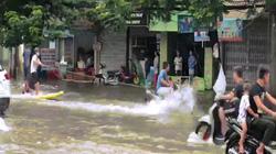 Chuyện lạ: Chèo thuyền, lướt sóng giữa đường phố Hải Phòng