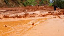 Vụ đường gần 500 tỷ sạt lở ở Kon Tum: Gạt bùn cho dân đi tạm