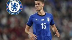 """Dùng 'bom tiền', Chelsea """"săn"""" chữ ký tuyển thủ Italia"""