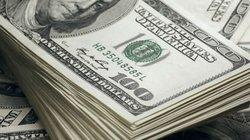 """Ngân hàng bất ngờ tăng """"sốc"""" giá mua bán USD"""