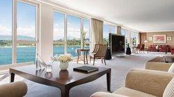 Choáng ngợp phòng khách sạn đắt nhất hành tinh, giá 1 đêm là 2 tỷ đồng