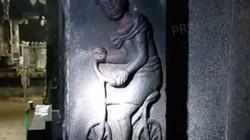 Kỳ quái hình ảnh xe đạp trên tường ngôi đền 2.000 năm ở Ấn Độ