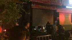 Hà Nội: 5 người mắc kẹt trong đám cháy lớn giữa đêm khuya