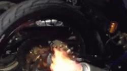 """Video: Yamaha Exciter duy nhất phun lửa """"nướng thịt"""" ở Việt Nam"""