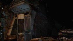 Clip: Dân nháo nhào di chuyển trong đêm vì nhà bị kéo xuống sông Đà