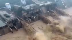 Rùng mình cảnh đập thủy điện xả lũ dữ dội ở Trung Quốc