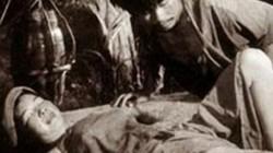 """NSƯT Đức Lưu: Cảnh Chí Phèo lật yếm Thị Nở, chồng tôi bị hỏi """"vợ mày nhận bao nhiêu tiền đóng vai đó?"""""""