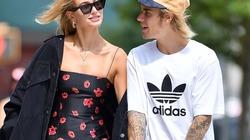 Justin Bieber và vợ sắp cưới chuộng style đơn giản dù siêu giàu