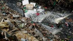 Ảnh, clip: Cảnh khủng khiếp khó tưởng tượng dưới chân cầu Long Biên