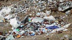 """Nóc nhà thế giới cũng không thoát khỏi cảnh bị đồ nhựa """"bóp nghẹt"""""""