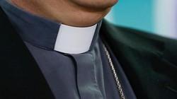 Linh mục Ý 70 tuổi quấy rối tình dục bé 11 tuổi trong ô tô