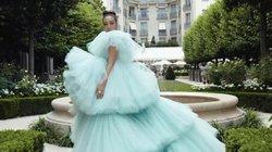 Con nhà giàu châu Á làm rung chuyển kinh đô thời trang