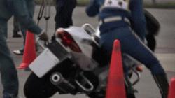 Video: Cảnh sát Nhật Bản luyện tuyệt kỹ lái môtô, quái xế run sợ