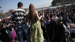 Phiên chợ kỳ lạ ở châu Âu nơi cô dâu được rao bán với giá vài trăm USD