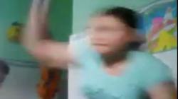 Xôn xao clip bảo mẫu đánh trẻ mầm non trong lúc cho ăn ở An Giang