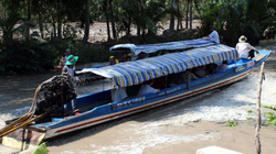 Khởi tố chủ đò dọc chở 10 người va chạm trên sông, 1 người tử vong