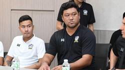 NÓNG: LĐBĐ Thái Lan bất ngờ sa thải HLV Worrawoot Srimaka