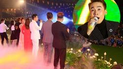 Ca sĩ Việt gây sốc khi làm liveshow ở chùa với 17.000 khán giả