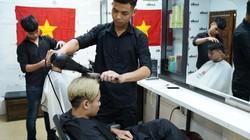 Trước trận bán kết của U23 VN: Nhuộm tóc giống Văn Toàn, giảm giá ngay 70%