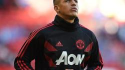 Vì M.U, Sanchez quyết định kháng lệnh từ quê nhà!