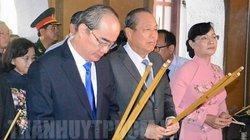 Lãnh đạo TP.HCM dâng hương viếng Chủ tịch Hồ Chí Minh và Chủ tịch Tôn Đức Thắng