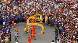Ảnh: Người Hải Hậu đi cà kheo, múa rồng… mừng ngày Quốc khánh